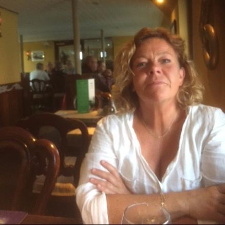 Camilla på pub